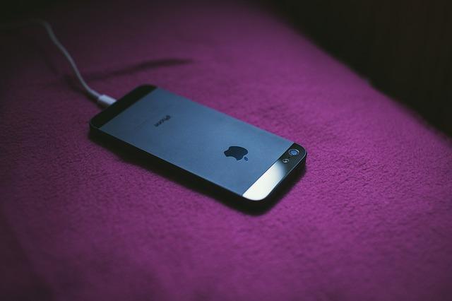 今でも現役バリバリの機種、iPhone5sドコモ版を中古で安く手に入れるという方法もある